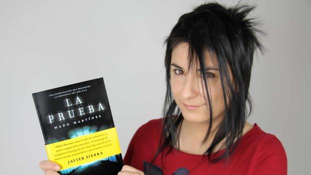 Imagen de Mado Martínez que ilustra la entrevista sobre Ciencia y Espiritismo